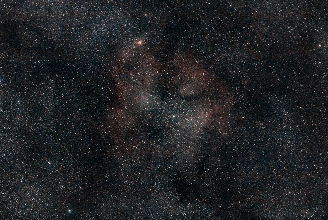 Elephant_Trunk_Nebula_IC1396_200mm_f3_5_ISO1600_12min_ABE2